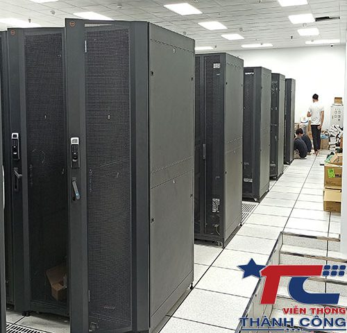 Thi công hàn cáp quang server khu vực toàn miền Bắc